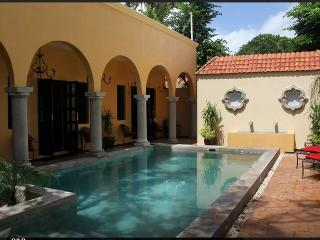 Ochenta y Dos [an urban bed & breakfast] - Merida vacation rentals