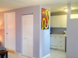 Fantastic Studio Suite Guest House, center town - Miami Beach vacation rentals