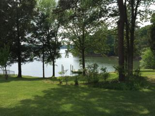 Nice Cottage with Internet Access and A/C - Charlotte vacation rentals