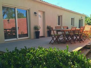 Nice Bed and Breakfast with Internet Access and A/C - Jonquieres vacation rentals