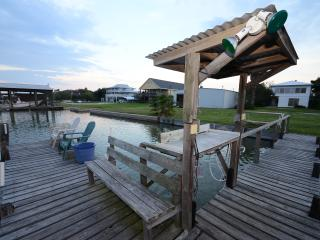 Sunset Ridge: 3/1 Waterfront  w/dock & boat ramp! - Rockport vacation rentals