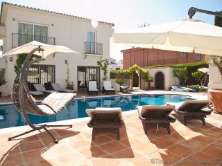 Villa BANUS4 - Puerto José Banús vacation rentals