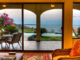 Vista Hermosa * Amazing oceanfront Villa * - Puerto Escondido vacation rentals