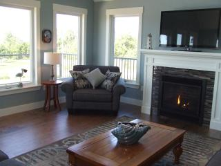 Gorgeous Cottage in Stanhope with Deck, sleeps 11 - Stanhope vacation rentals