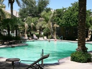 Upscale 1-bedroom condo in Scottsdale - Scottsdale vacation rentals