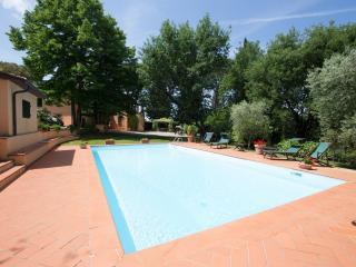 7 bedroom Villa in Poggibonsi, Chianti, Tuscany, Italy : ref 2293982 - Poggiarello vacation rentals