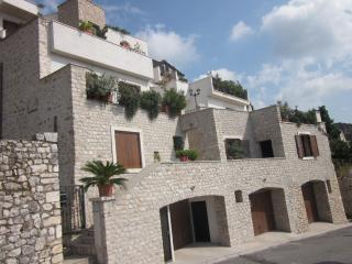 Comfortable Condo with Internet Access and Dishwasher - Sermoneta vacation rentals