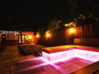 Luxurious Country Cottage with Hot Tub - Kirkcaldy vacation rentals