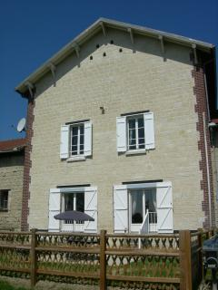 Nice House with Internet Access and Dishwasher - Beaumont-sur-Oise vacation rentals