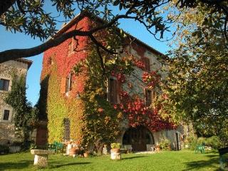 3 bedroom Farmhouse Barn with Internet Access in Monteleone Sabino - Monteleone Sabino vacation rentals