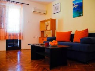 Apartment Vives - Jadranovo vacation rentals
