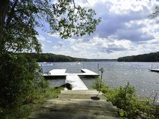 Alluring 3 Bedroom home featuring premiere lakefront! - Oakland vacation rentals