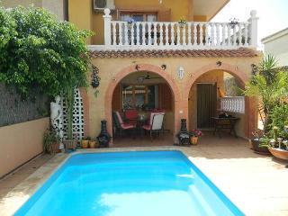 Wonderful 3 bed 2 bath villa in Los Nietos - Los Nietos vacation rentals