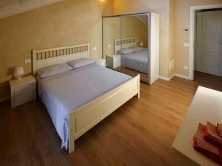 Cozy 2 bedroom Mirano House with Internet Access - Mirano vacation rentals
