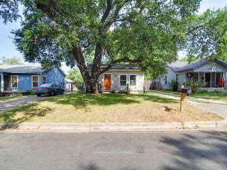 Charming Modern Cottage From 1948 In East Austin! - Austin vacation rentals