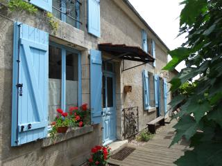 Nice Gite with Internet Access and Outdoor Dining Area - Sancerre vacation rentals