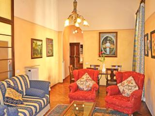 Casa Cara Mia-historic town apartment - Cortona vacation rentals