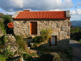 Casa do Castanheiro - Eido do Pomar - Arcos de Valdevez vacation rentals