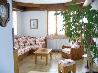 Cozy 3 bedroom Gite in Metabief - Metabief vacation rentals