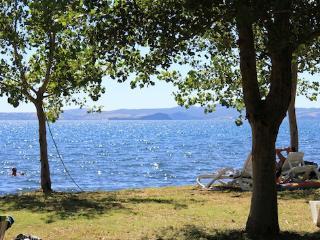 Agriturismo sul Lago di Mario e Teresa/Ap Volsini - Bolsena vacation rentals