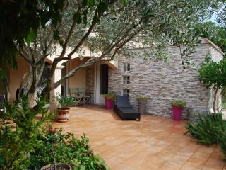 Nice 4 bedroom House in Loriol-du-Comtat - Loriol-du-Comtat vacation rentals