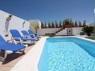 Perfect 3 bedroom Playa Blanca Villa with Internet Access - Playa Blanca vacation rentals