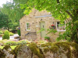 Smith Cottage, cosy Dales cottage, sleeps 2 - Appletreewick vacation rentals