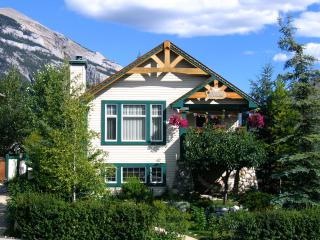 Avens ReNaissance Bed & Breakfast - Canmore vacation rentals