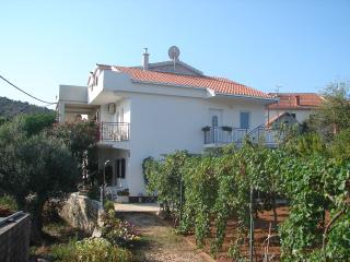 Nice Condo with Internet Access and A/C - Vinisce vacation rentals