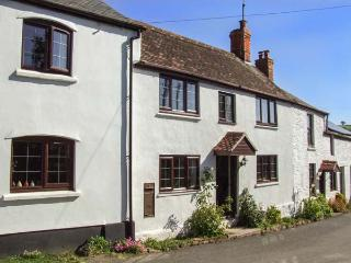BRONTE OWL COTTAGE, woodburner, WiFi, wet room, pets welcome, Ref. 26230 - Lea vacation rentals