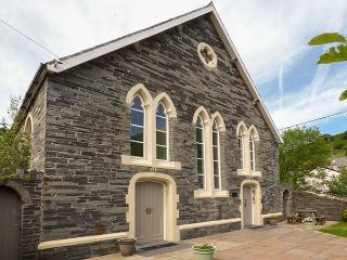 CAPEL JERUSALEM stunning chapel conversion, en-suite facilities, projector screen, baby grand piano in Abergynolwyn Ref 918082 - Abergynolwyn vacation rentals