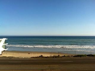 Malibu Octagon in La Costa with Amazing Ocean View - Malibu vacation rentals