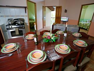 CDCR - Fortuna Hideaway: Comfortable, Convenient - La Fortuna de San Carlos vacation rentals