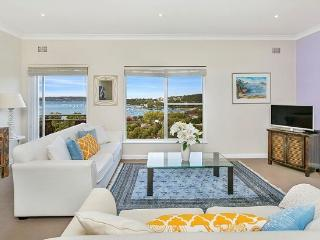 MOS01 -Amazing views - 2 bedroom Mosman apartment - Balmoral vacation rentals