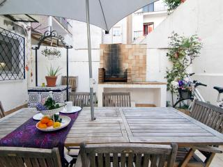 QUIJOTE, large terrace, 5 minutes from the beach - Sitges vacation rentals