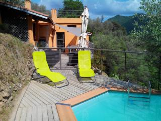 Landhouse with pool in the middle of nowhere! - Isolabona vacation rentals