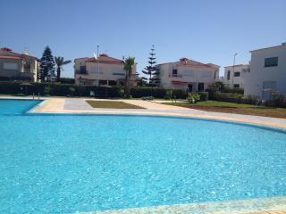 Belle Villa dans complexe Touristique Almansouria - Mohammedia vacation rentals