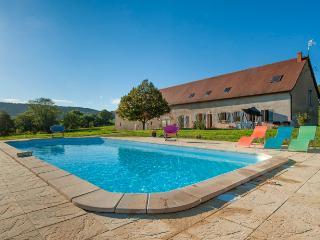 Morvan,  gîte 14 pers  avec piscine chauffée - Luzy vacation rentals
