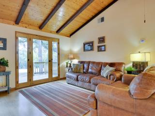 Hillsedge Hideout Close to town w/ Swimming Pool - Wimberley vacation rentals