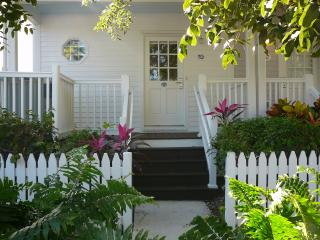 Hawks Cay Villa Spa located on Blue Water(  MARCH 4-8TH AND MARCH 18TH-23 AVAIL - Duck Key vacation rentals