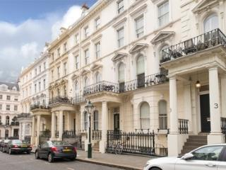 Economical Apartment in High Street Kensington - London vacation rentals
