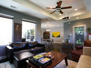 East 9th st, Walk Downtown! - Austin vacation rentals