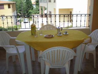 Appartamento vista mare a Badesi centro - Badesi vacation rentals