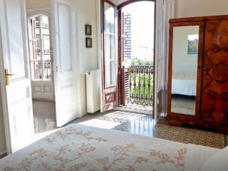 Gran Via 1870´s apartment - Barcelona vacation rentals