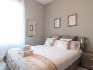 Bohemian Rhapsody 3 Bedrooms Gracia - Barcelona vacation rentals