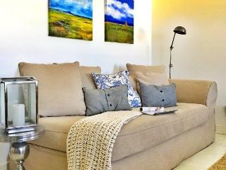Gezellig - 4 Bedroom, spacious upmarket house - Paternoster vacation rentals