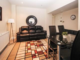 Clean and Safe Paddington sleeps 3 - London vacation rentals