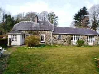 Bodegroes Cottage at Efailnewydd near Pwllheli - Efailnewydd vacation rentals