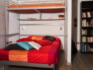 Appartamento a Napoli, centralissimo, comodo - Naples vacation rentals