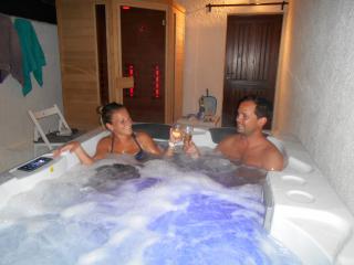 Charme , Sauna ,Spa ,Massage,Piscine,Tennis, Lac - Tourtour vacation rentals